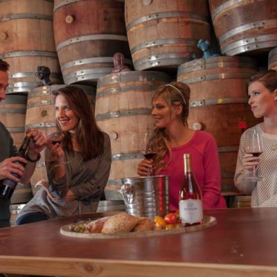 יין מחבר בין אנשים